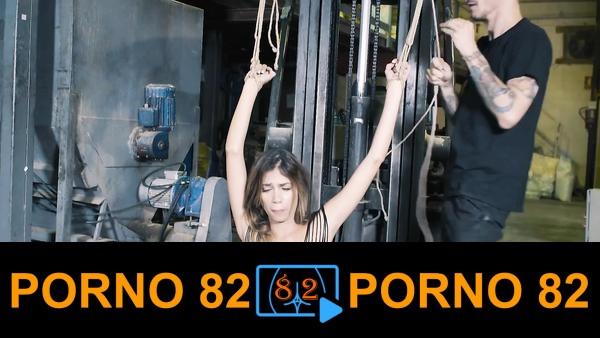 BDSM temalı sert sikiş filmi