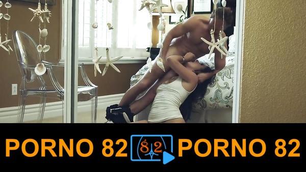 Orta yaşlı çiftin fetiş pornosu