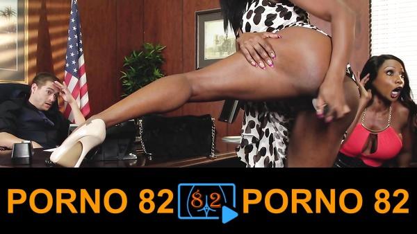 Senatöre striptiz yapan brazzers kızları sert sikiş seviyor