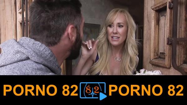 Brandi Love kendine çiçek getiren adam ile sex pornosu yaptı