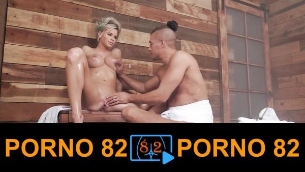 Jessa Rhodes saunada sex yapıyor