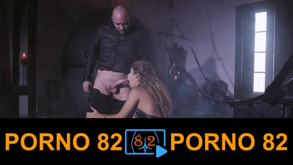 Sexi deri kıyafetli latin kızı zorla sikiyor
